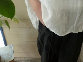 商品「TRAVAIL MANUEL(トラバイルマニュエル) リネンポプリンラップパンツ」の商品画像