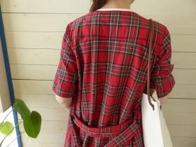 商品「homspun(ホームスパン) コットンシルクタータンVネック半袖フレアワンピース」の商品画像