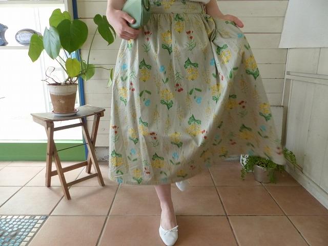 商品「chambre de charme(シャンブルドゥシャーム) 庭の花プリントウエストフリルスカート」の商品画像