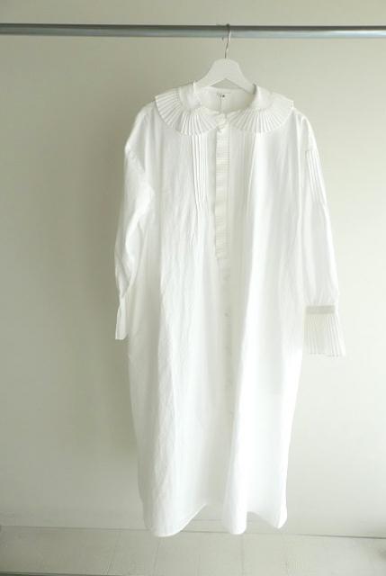 プリーツフリル衿ワンピースの商品画像2