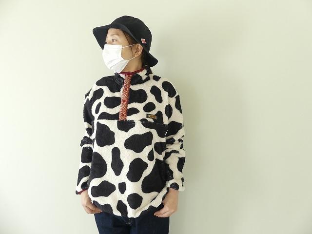 牛柄フリーススナップTの商品画像1