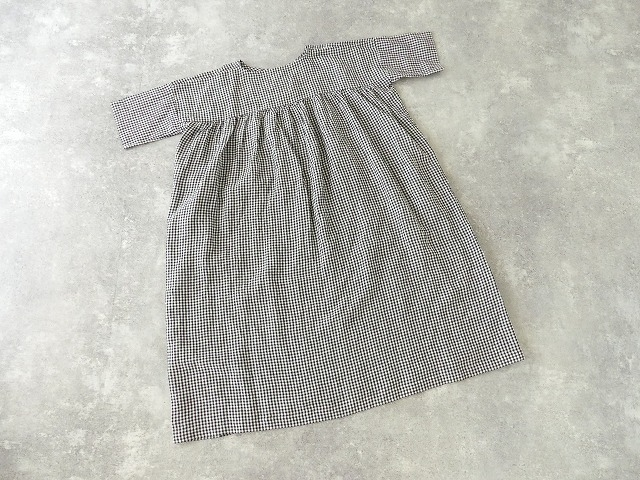 バックサイドギャザードレス