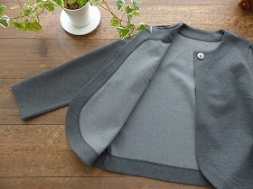 商品「SARAH WEAR(サラ ウェア) +SPACEMOO 貝ボタンのジャケットボレロ」の商品画像